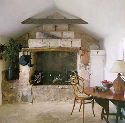 The muted tones and rustic touches translate into right into a possible Wyeth painting.
